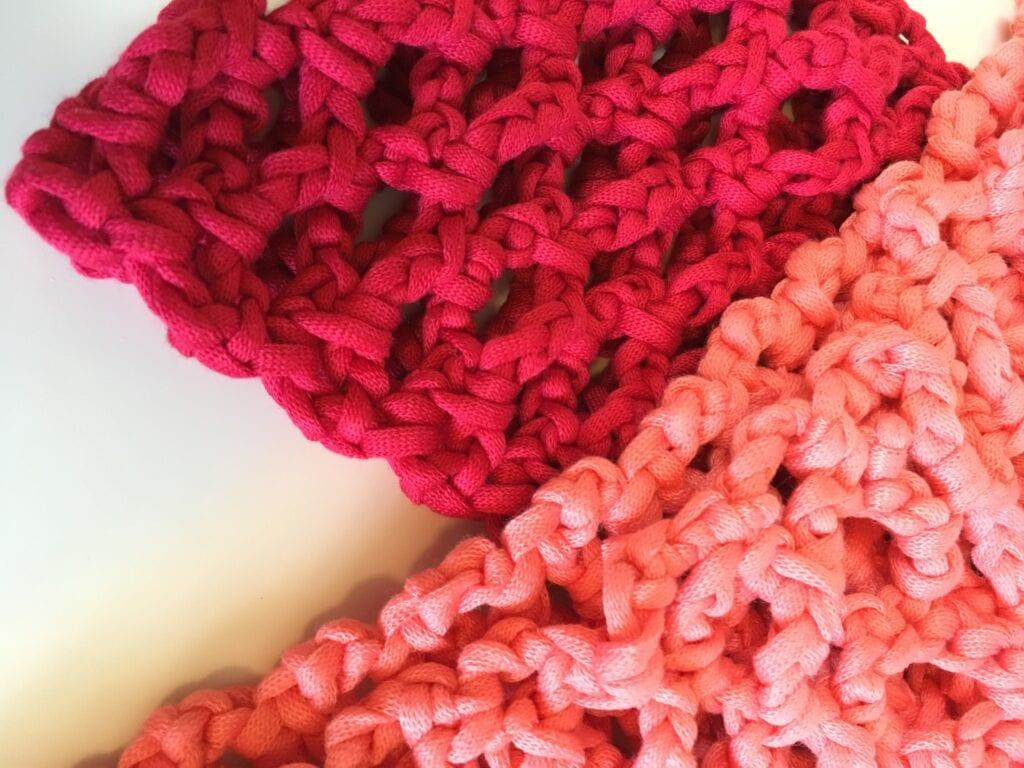 Easy Crochet Cowl with T-Shirt Yarn