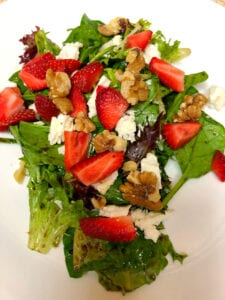 Delicious Strawberry Salad with Balsamic Vinaigrette