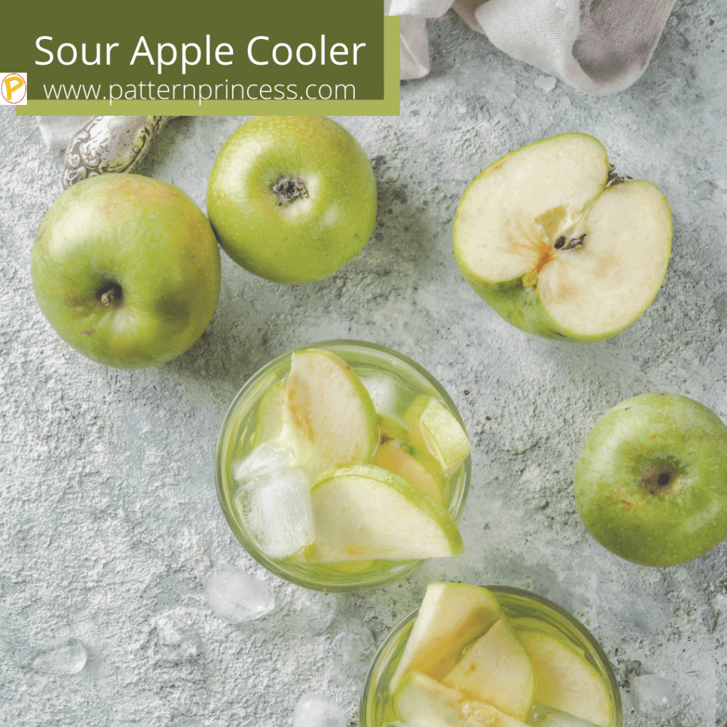 Sour Apple Cooler with Green Apples