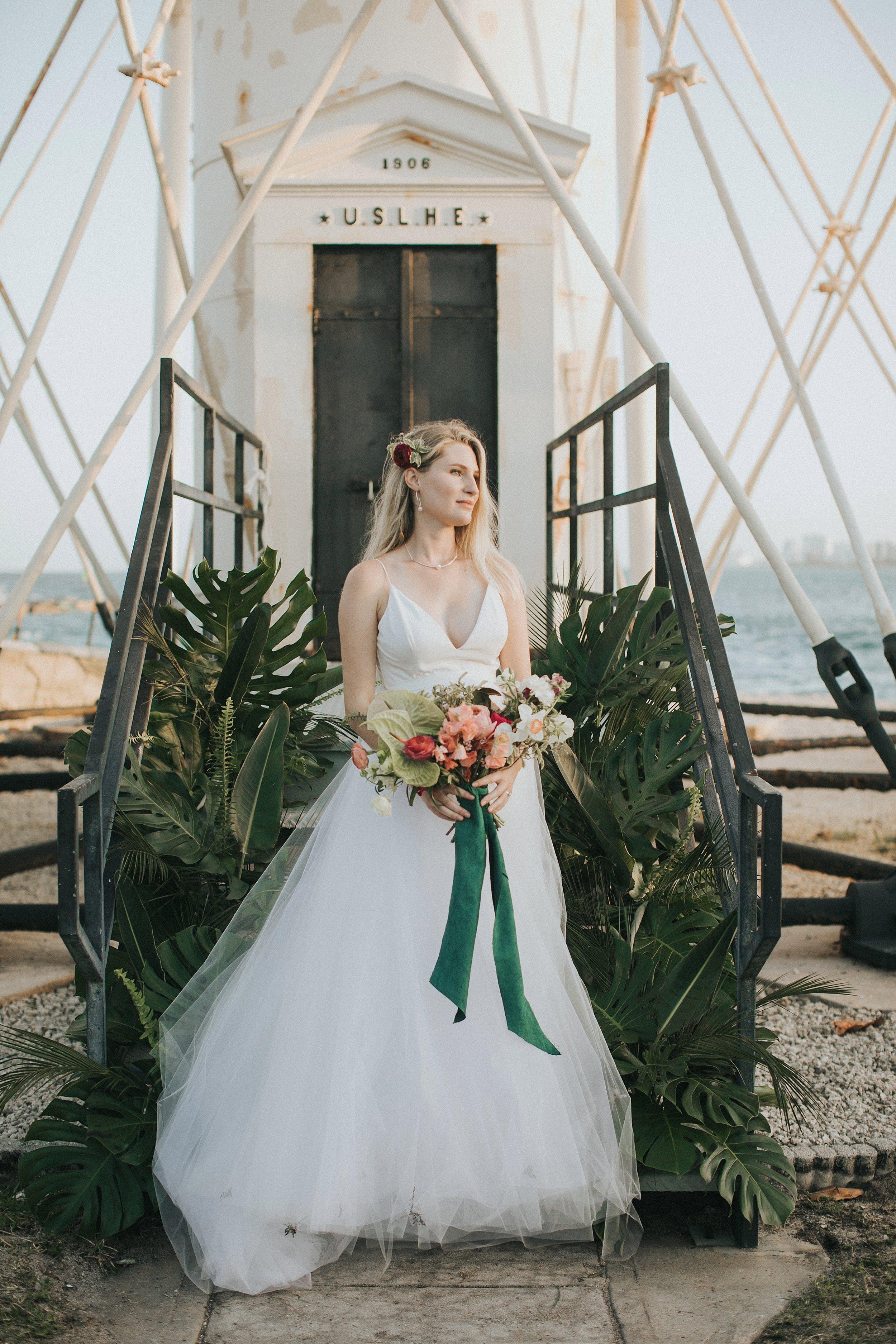 bridal portraits at a lighthouse