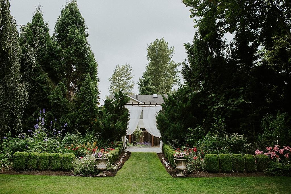 Garden wedding in Seattle Washington