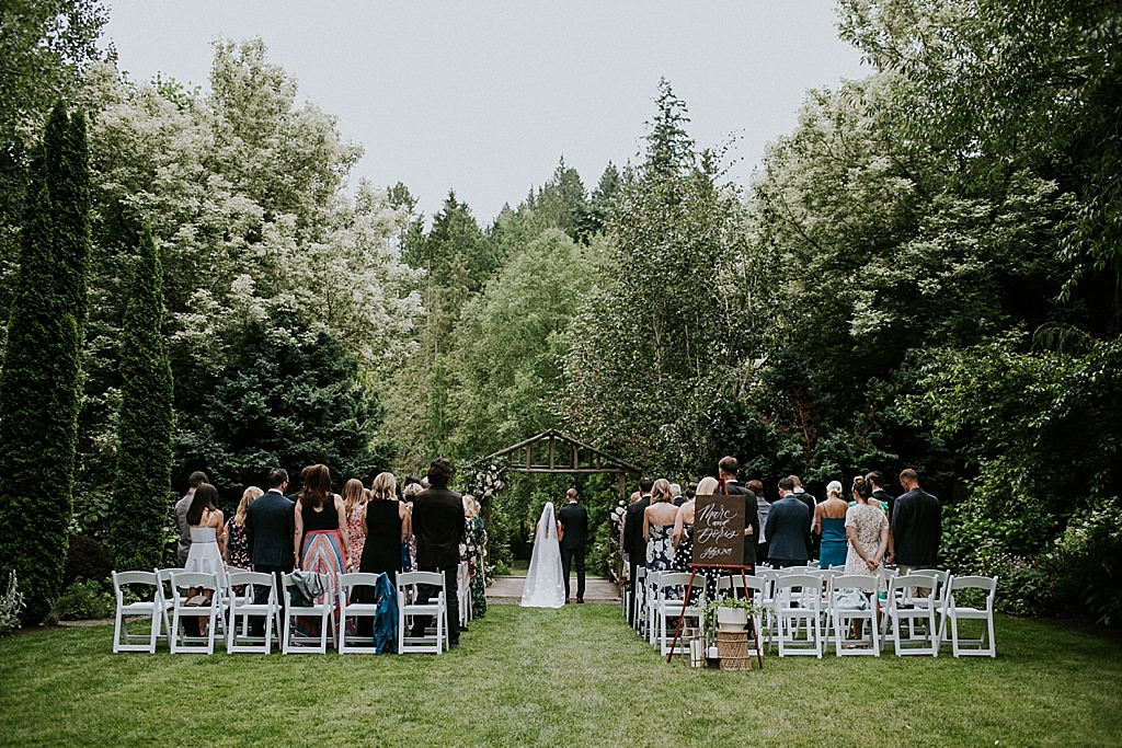 romantic seattle wedding ceremony