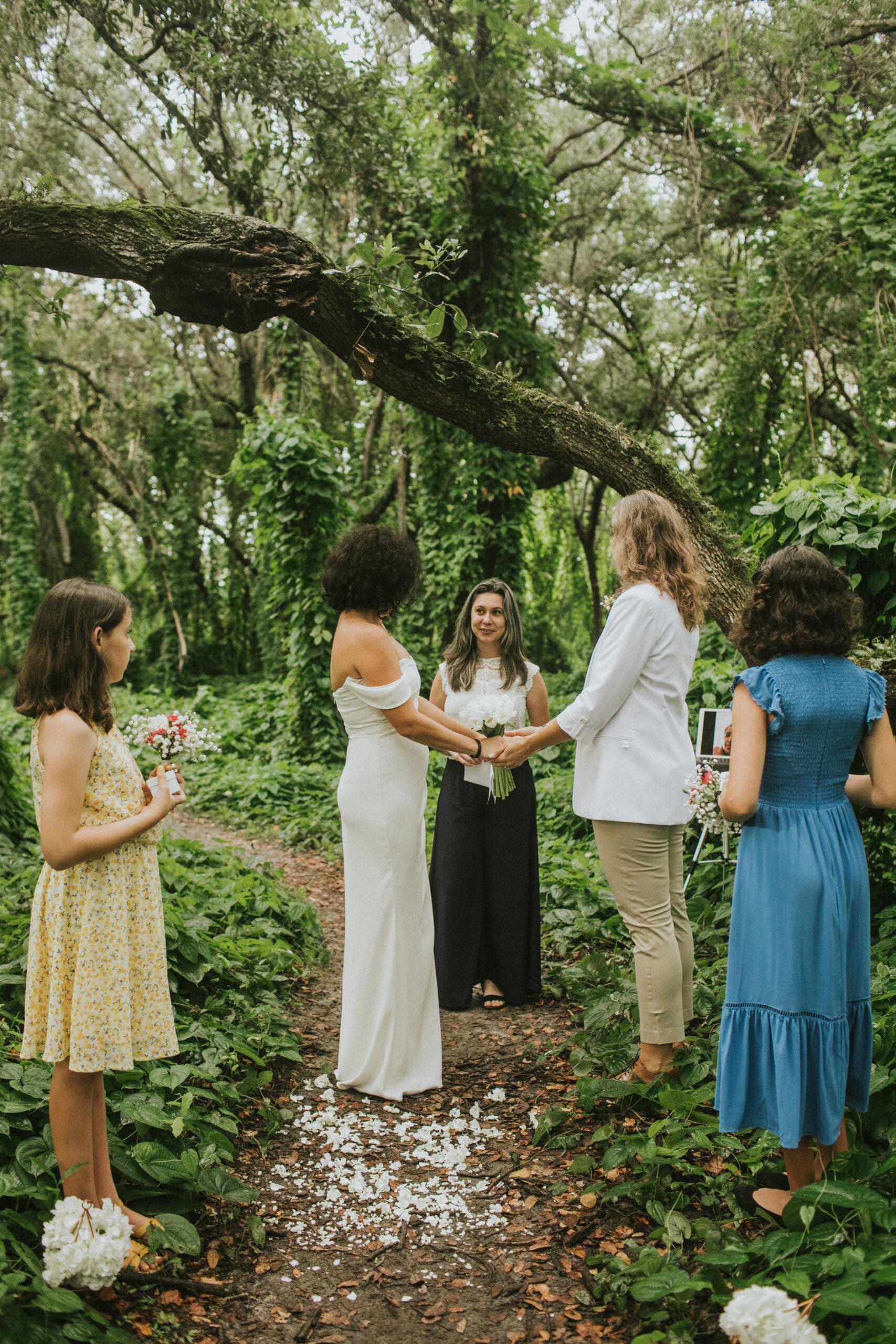 woodsy florida elopement