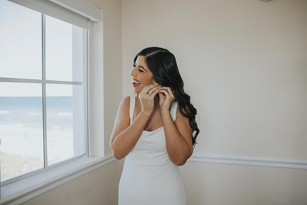fun getting ready photos on your wedding day