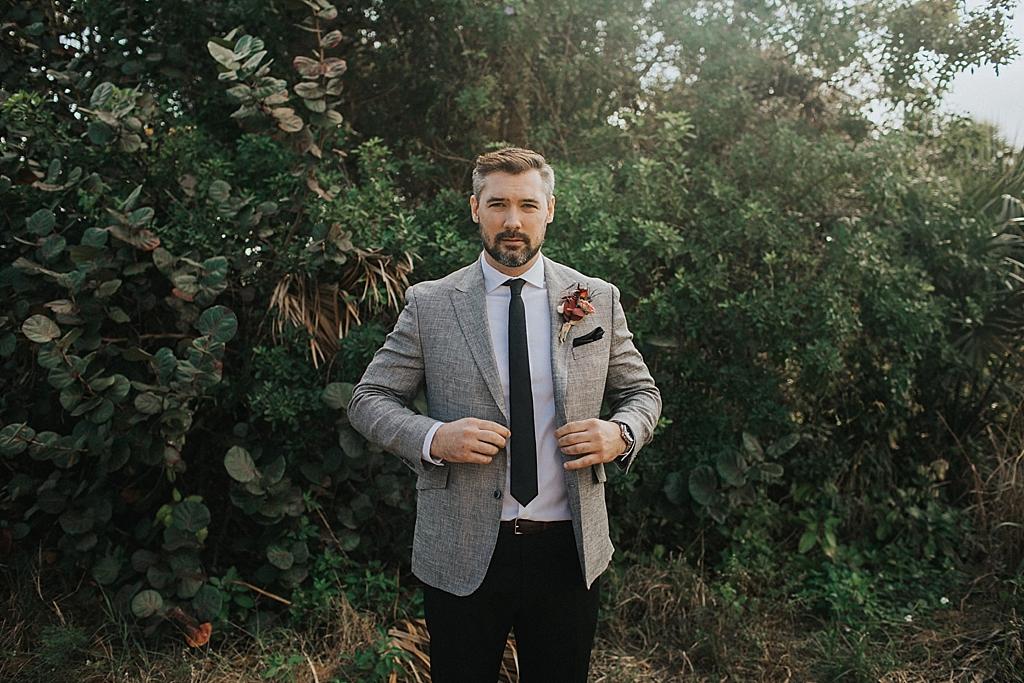 modern groom portraits