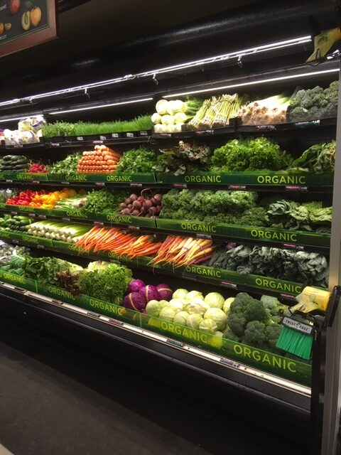 produce fence display labeled organic 001