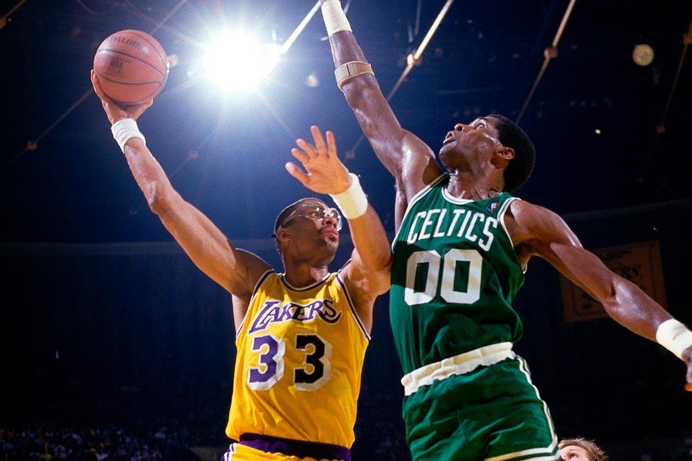 21_0208820N-Celtics-v-Lakers