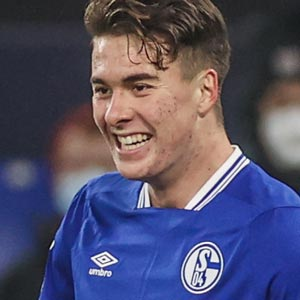 Matthew Hoppe, Forward FC Schalke 04, American Professional Soccer Player