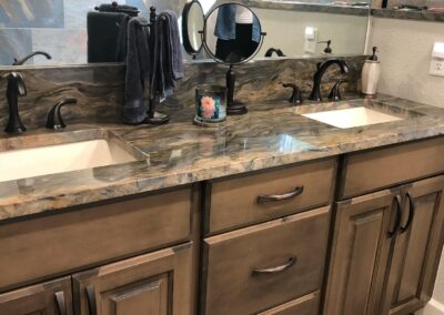 Fusion Quartzite with Straight Edge and Undermount Sinks.