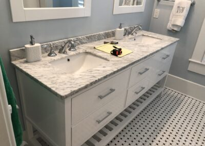 Arabescato Marble with Straight Edge and Undermount sinks