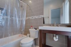 4033-22nd-St-N-Arlington-VA-large-027-Bathroom-1500x1000-72dpi