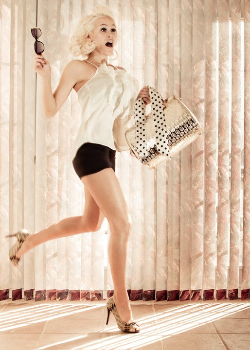 Photo-Showing-International-Model-Theresa-Longo