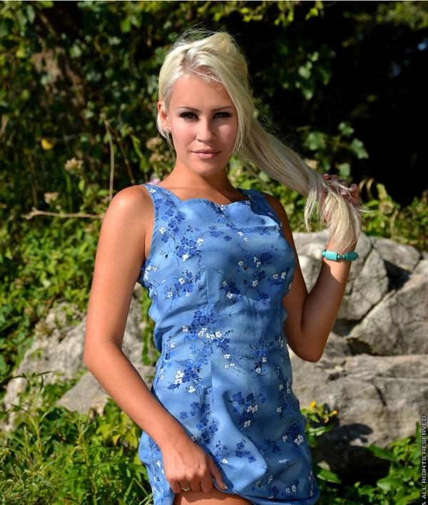 Photo_Showing_International_Model_Theresa_Longo