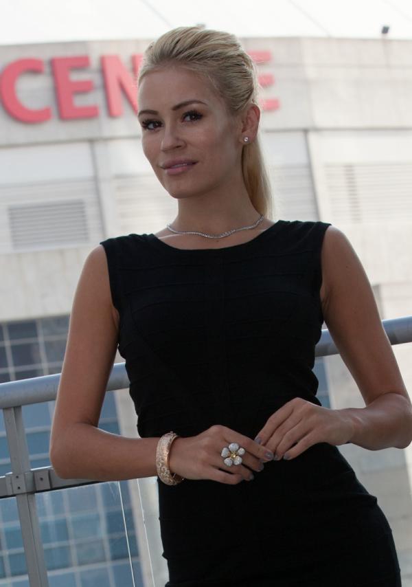Theresa-Longo-Actress-Canada