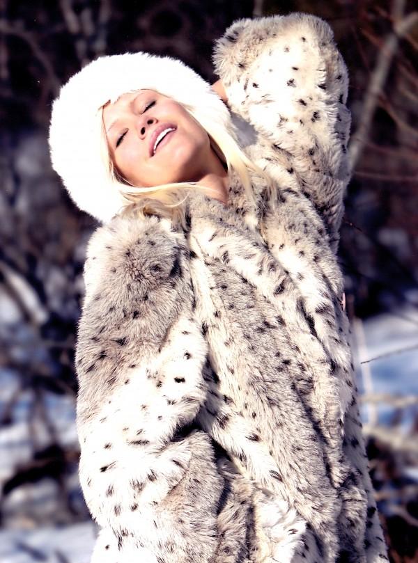 Image_Showing_Theresa_Longo_International_Model