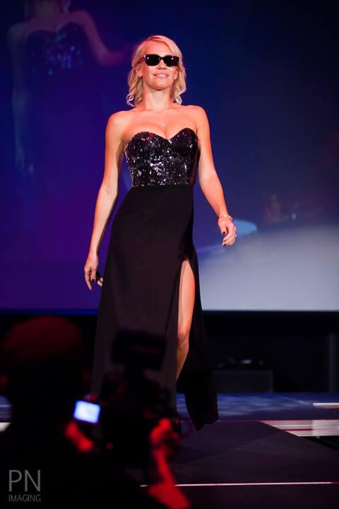 Model-Theresa-Longo