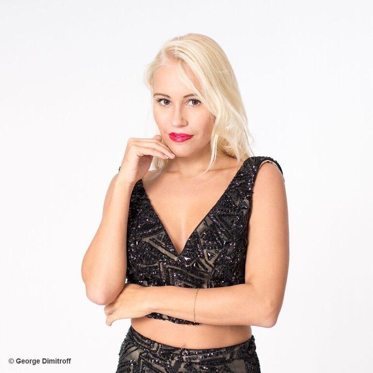 Photo-Showing-Best Model-Theresa-Longo