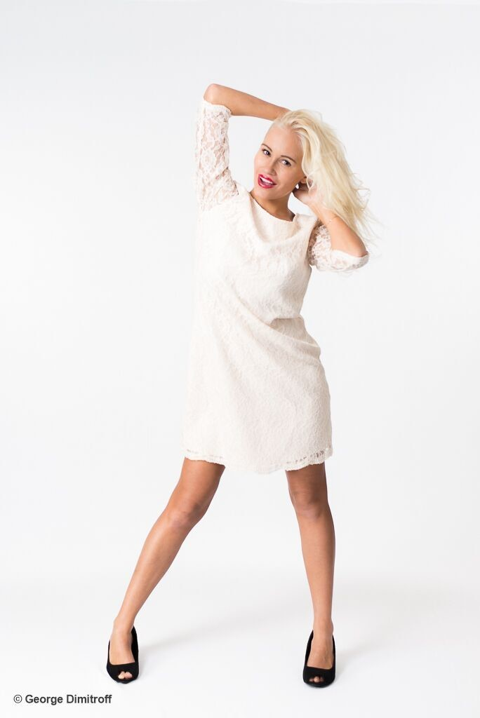 Photo-Showing-Best-Model-Theresa-Longo