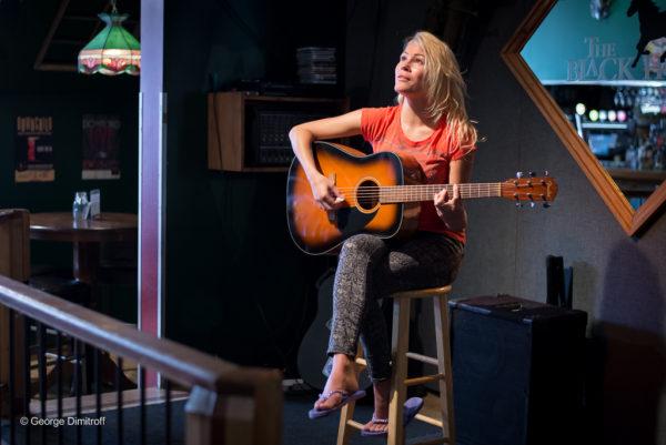 Theresa-Longo-Guitar