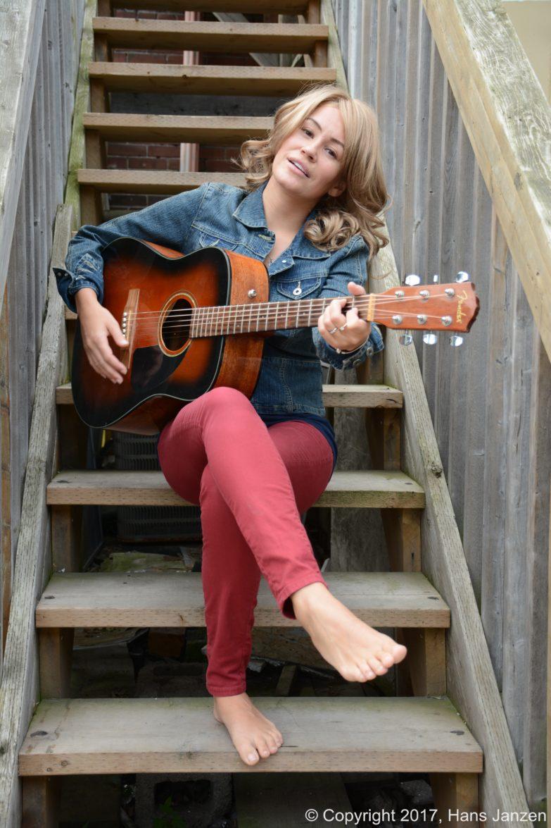 Theresa-Longo-Music-Photo