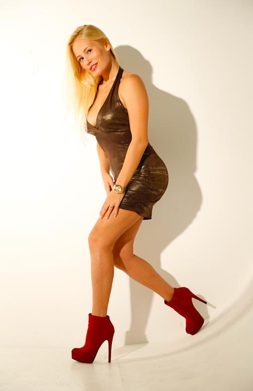 Actress-Theresa-Longo