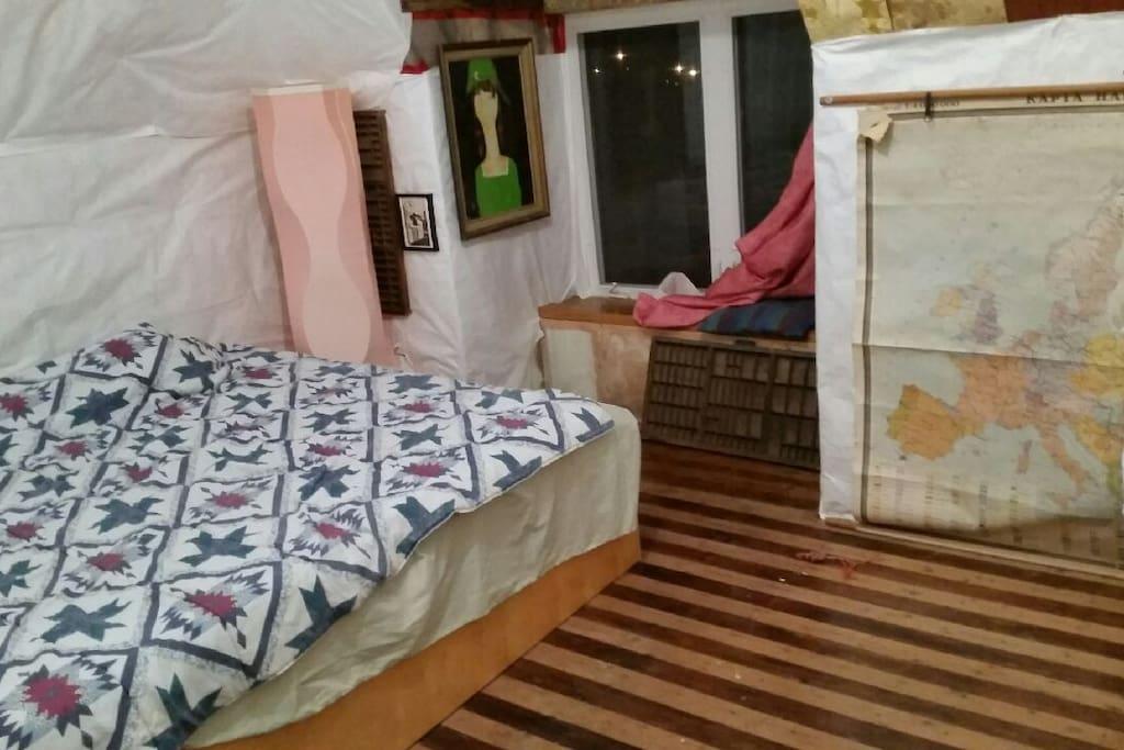 w_3rd floor king bed