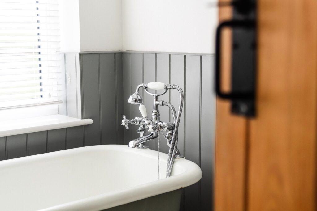 beautiful gray bathroom