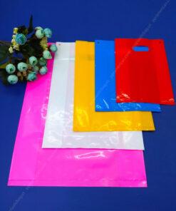 Die-cut plastic bags