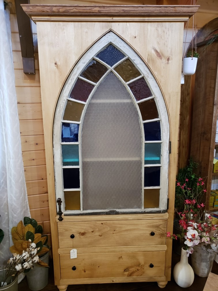 Stained Glass Hutch
