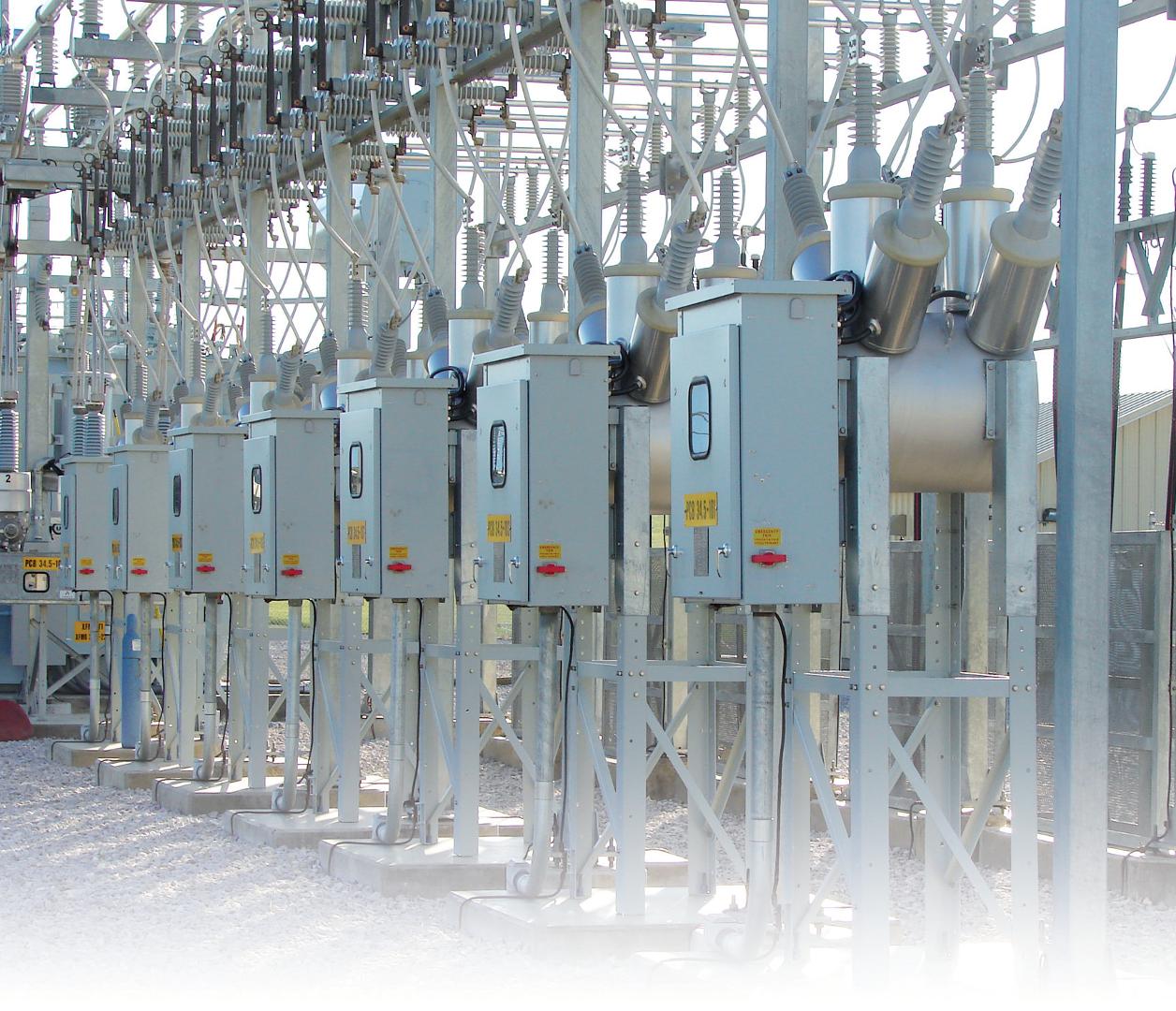 VOX, medium voltage dead-tank outdoor breaker