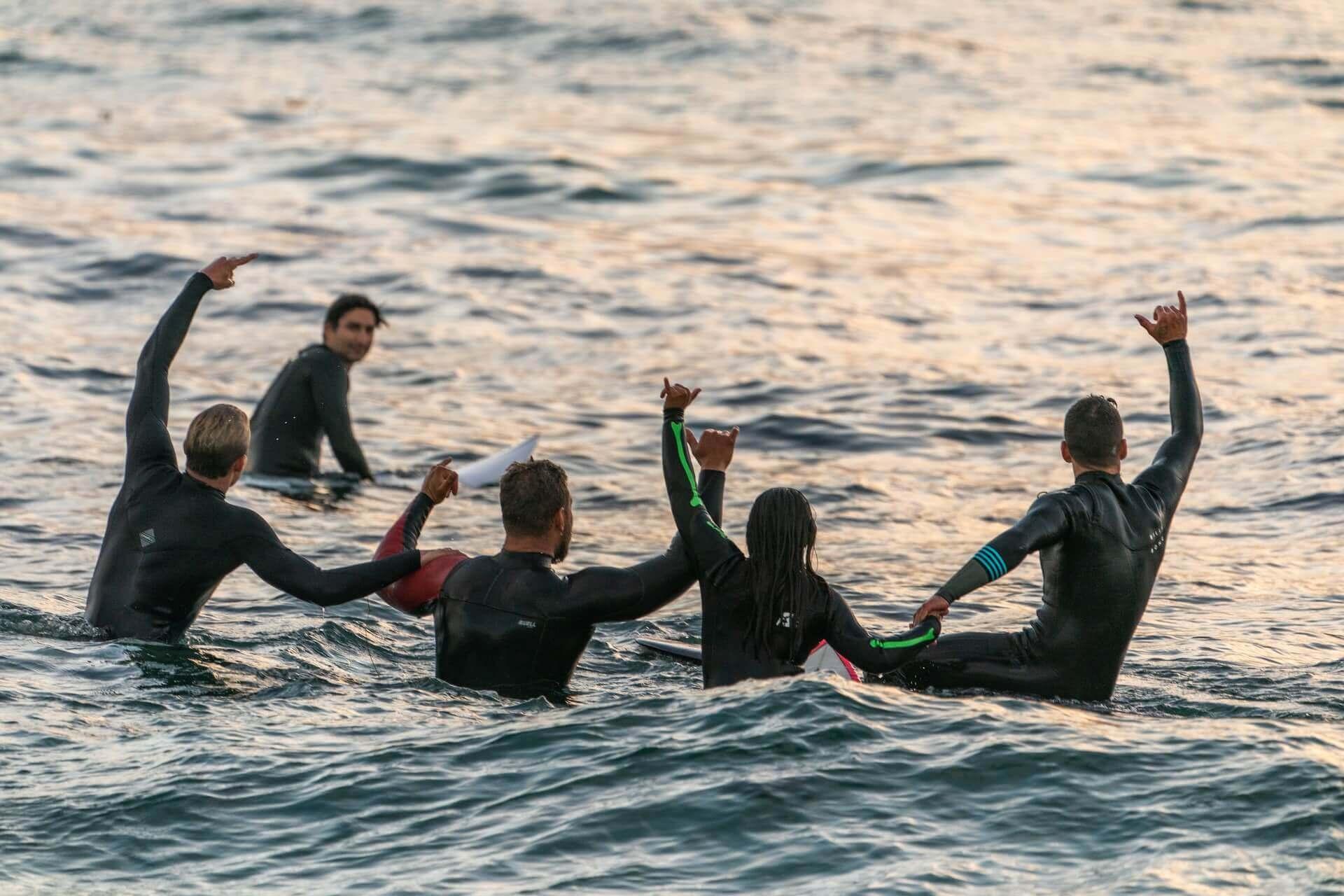 surf en groupe