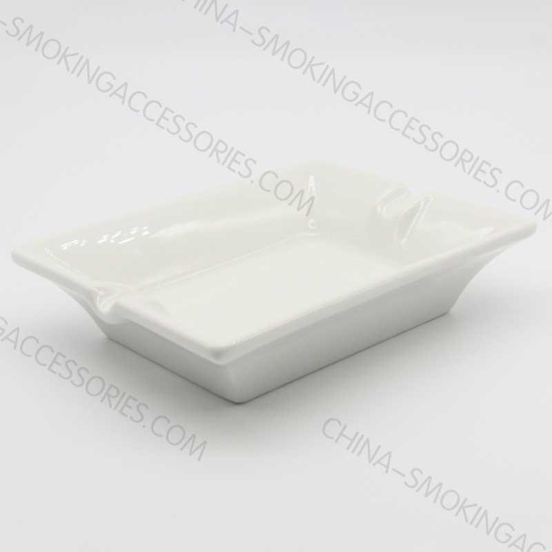 AP0385white porcelain ashtray