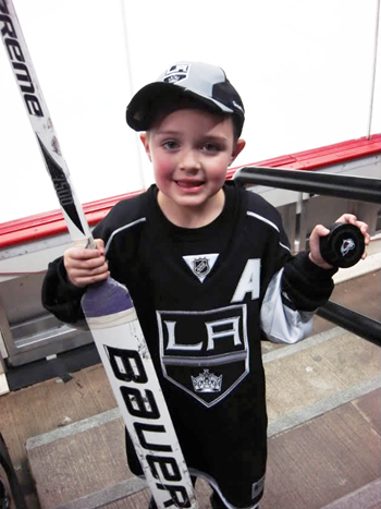 2013-Upper-Deck-Father-of-the-Year-Winner-Barrie-Grice-Austin-Quick-Puck-Stick
