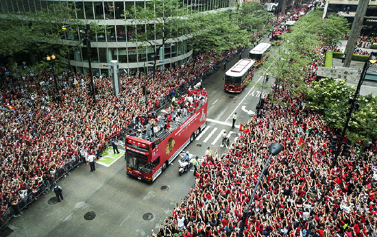 2015-Upper-Deck-Stanley-Cup-Champion-Sun-Times-Parade