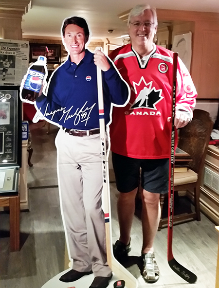 Dan-Tracy-Upper-Deck-Diamond-Club-Member-Walter-Gretzky-Home-Team-Canada-Jersey