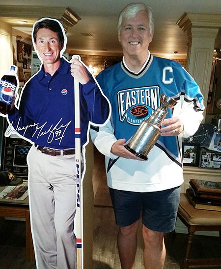 Dan-Tracy-Upper-Deck-Diamond-Club-Member-Walter-Gretzky-Home-all-star-Jersey