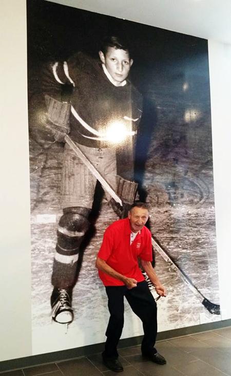 Dan-Tracy-Upper-Deck-Diamond-Club-Member-Walter-Gretzky-Sports-Centre