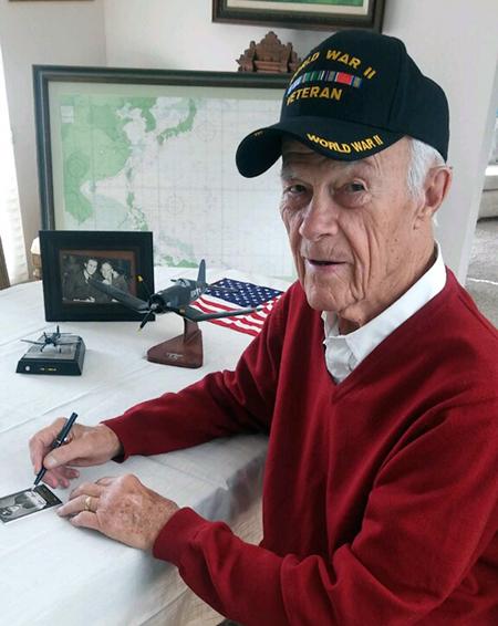 2016-Upper-Deck-Goodwin-Champions-WWII-Veteran-Autograph-Richard-Peterson-4