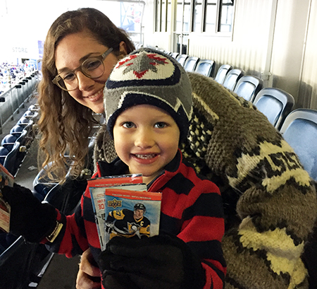 upper-deck-kids-family-collect-winnipeg-heritage-classic-hockey-nhl-cards-4
