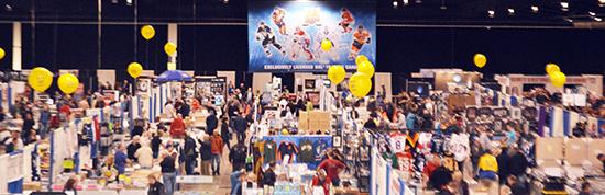 Sportscard-Memorabilia-Expo-Upper-Deck-Booth-Balloons-Diamond-Dealer-1