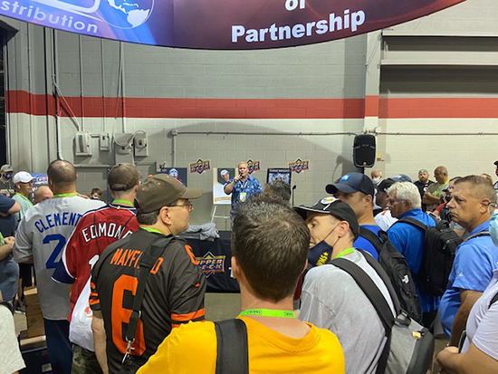 upper deck national sports collectors convention welcome raffle