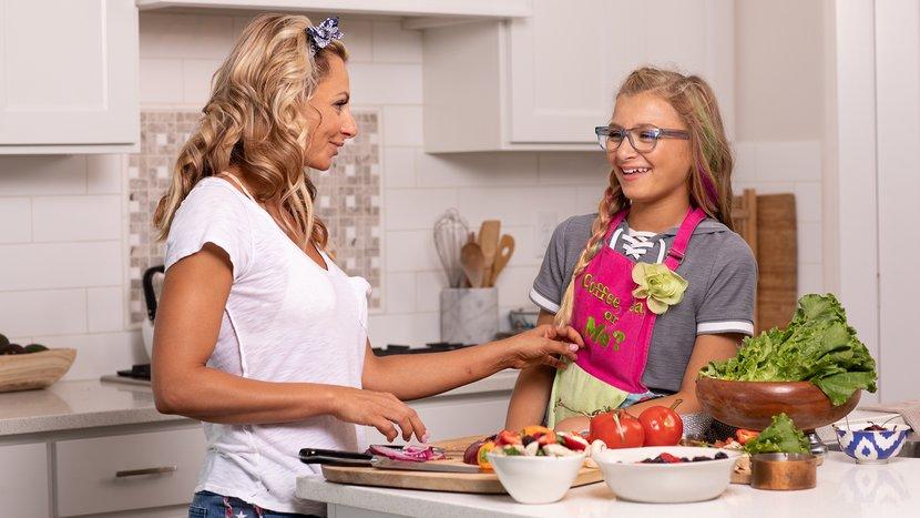 6-ways-to-help-your-kid-enjoy-healthy-eating-header-830x467