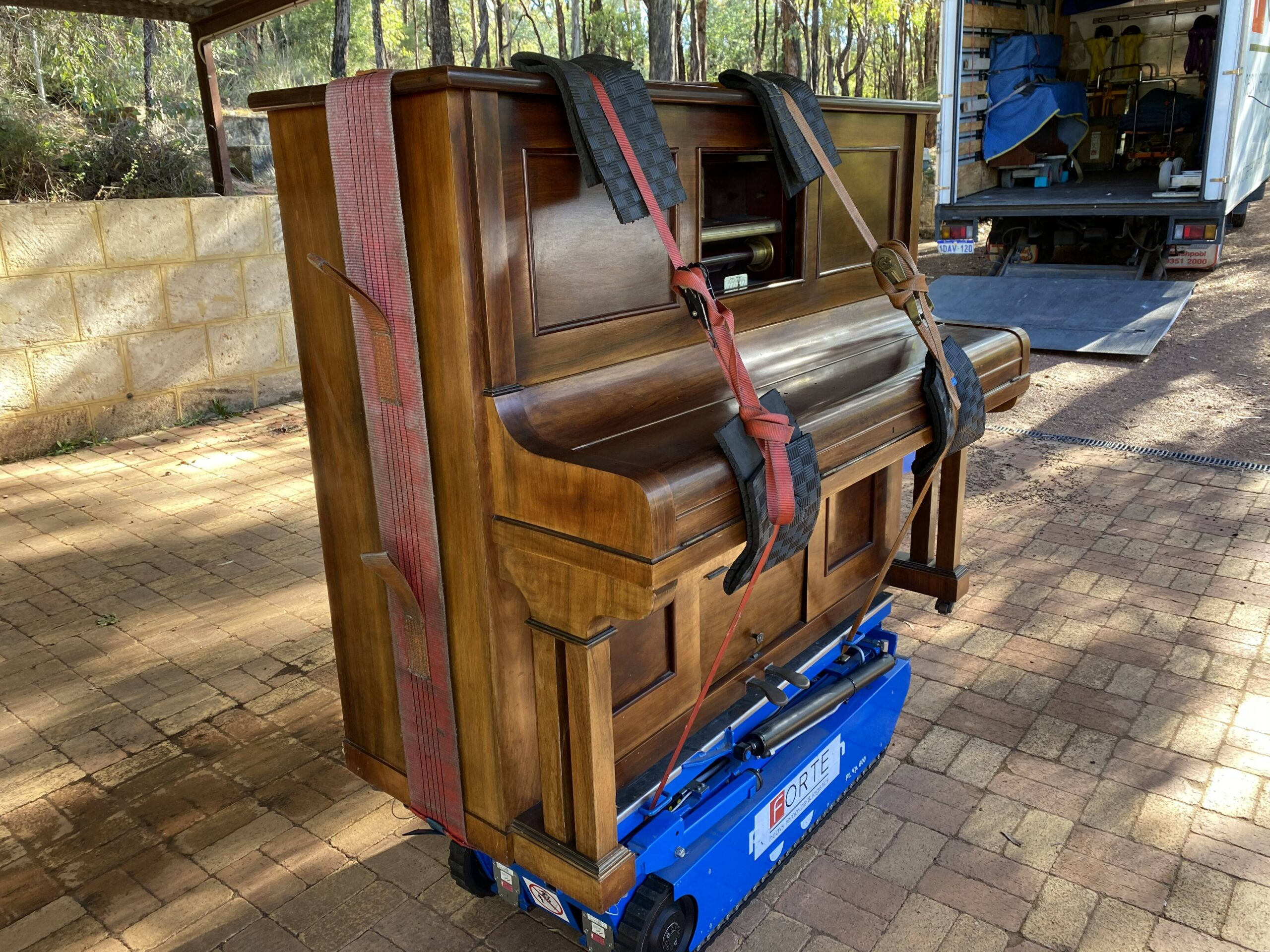 Booking a piano removal specialist