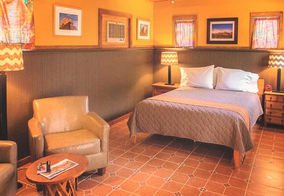 Suite 4 interior