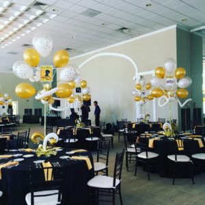 Create a distinctive impression for you event with  centerpieces and balloon bouquets!  From whimsical tabletop balloon decorations to elegant designs that transform your event, you can choose among a large variety of foil or latex balloons. Celebrate your special event with themed balloon bouquets.