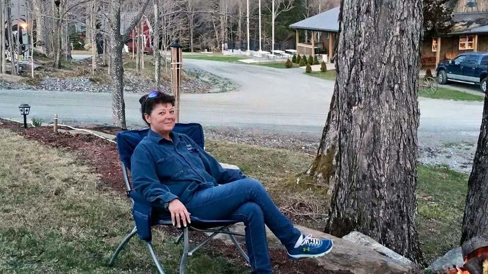 Robin - Camping