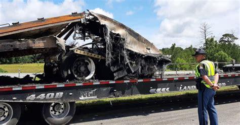 Crash kills 10 in Alabama