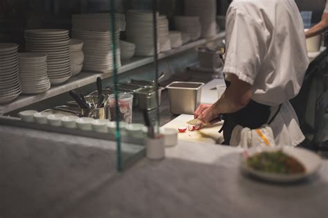 Restaurant workers are quitting in the middle of their shifts