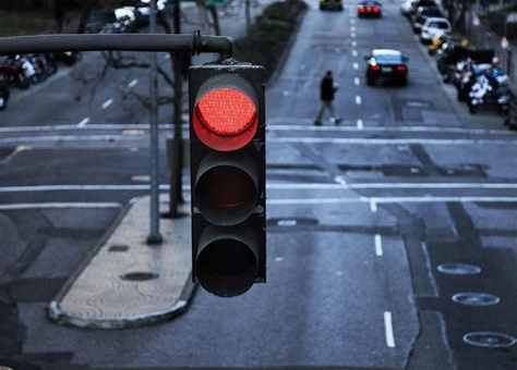 Woman deliberately runs 49 red lights