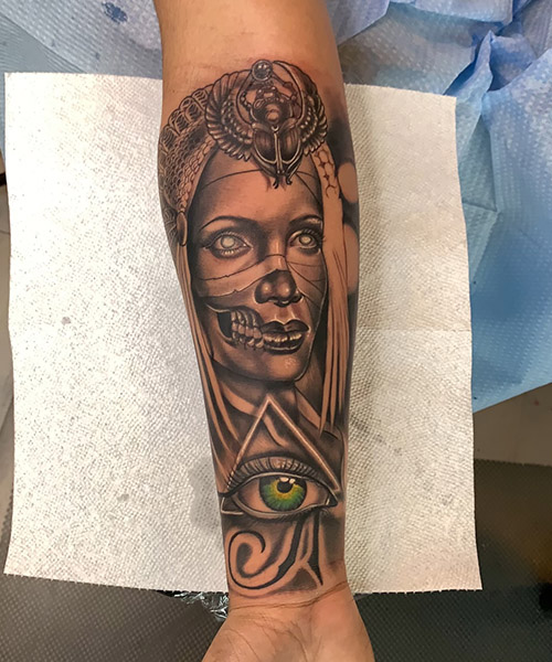 Golden Coils Tattoo and Piercing